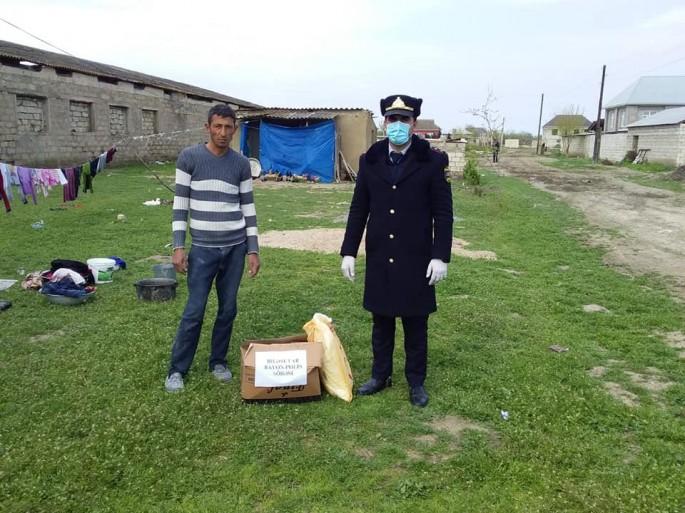 Biləsuvar Rayon Polis Şöbəsi 35 ailəyə sovqat apardı - FOTO