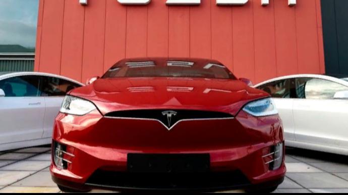 """""""Tesla""""nın səhmləri 5-ə bölünür!"""