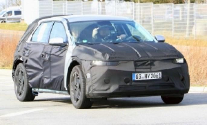 Hyundai 45 elektrokarının prototipi yollarda görünüb