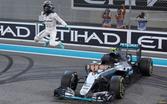 """Formula 1""-in yeni çempionu: Niko Rosberq"