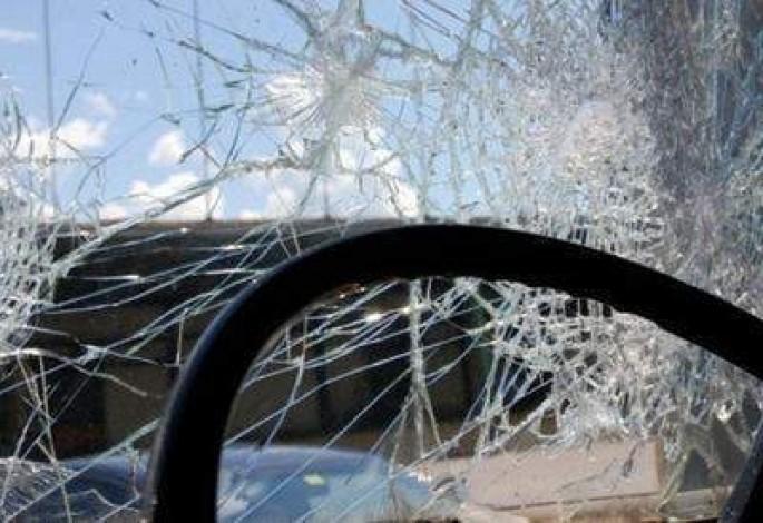 """""""Mercedes"""" yol ayırıcına çırpıldı: sürücü ölüb - Qaradağda"""
