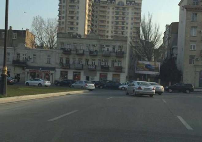 """""""5 mərtəbə"""" dairəsində hərəkət əvvəlki vəziyyətə qaytarıldı - FOTOLAR"""