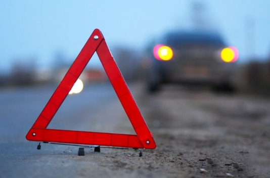 İki avtomobil toqquşdu: 2 ölü, 5 yaralı