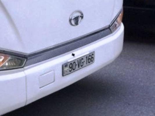 Avtobus sürücüsü ana və körpəsinin həyatını təhlükə altına atdı - FOTO